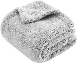 CHEE RAY Snugly Sherpa Fleece Pet Blanket